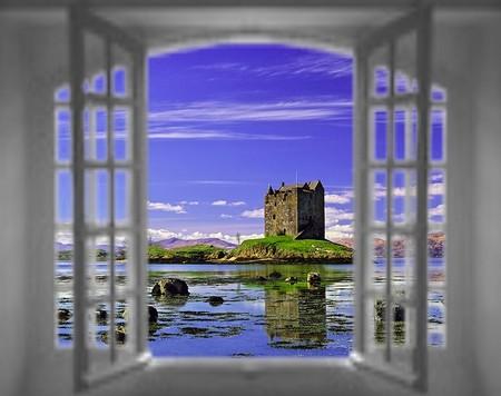 finestra-con-castello-ridotta.jpg