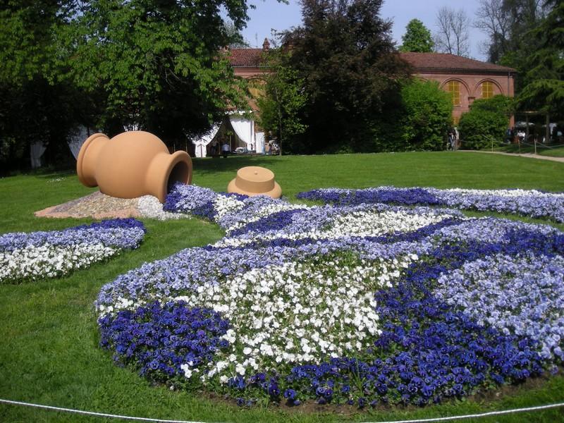 Messer tulipano al castello di pralormo briciole di - Fiori da giardino al sole ...