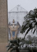 piramide-innevata-a-las-vegas