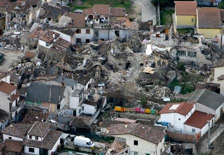 Onna dopo il terremoto